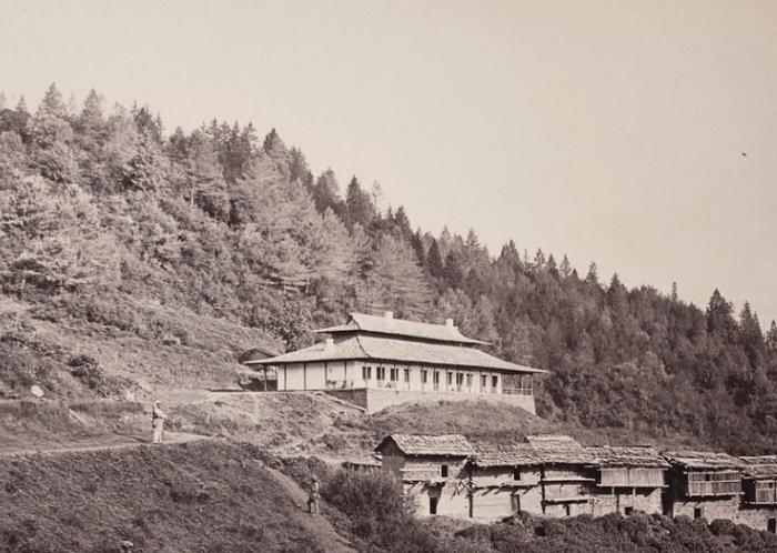 origen-bungalow-india-montaña